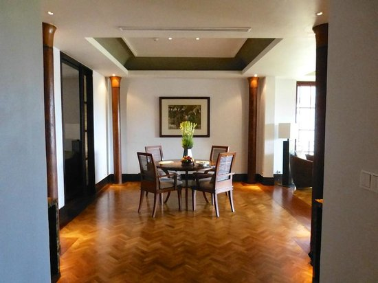 The Legian Bali: Dining area in one bedroom deluxe suite