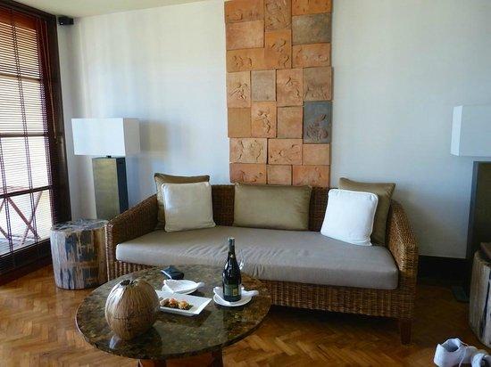 The Legian Bali: Lounge in one bedroom deluxe suite