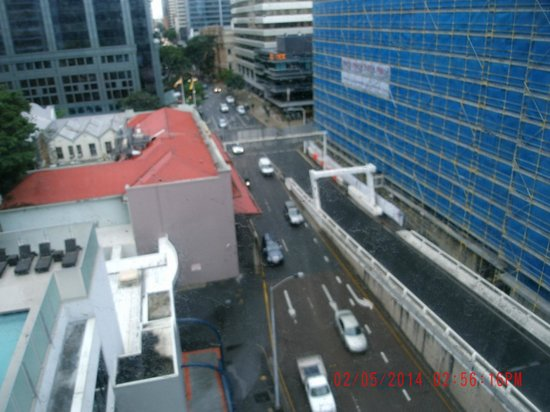 Mercure Brisbane : View down Ann Street