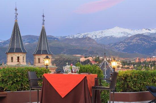 Hotel Carmen Granada: Terraza Vista Sierra