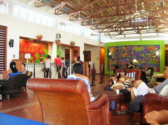 Royal Decameron Beach Resort, Golf & Casino: Recepción