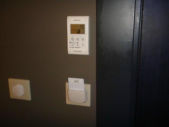 Maison Philippe le Bon: Commande de la climatisation, clef magnétique avec mise en route de l'éclairage
