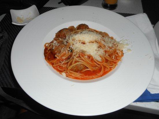 Zanzibar: Spaghetti and Meatballs