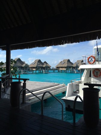 Conrad Bora Bora Nui : Airport shuttle