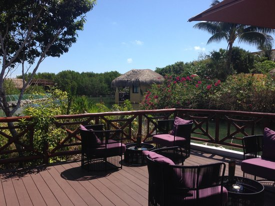 TRS Yucatan Hotel: view from the lobby bar
