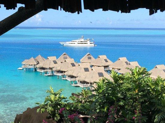 Conrad Bora Bora Nui : Spa with a view