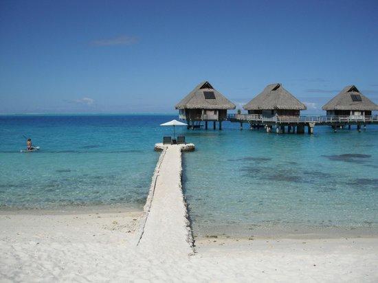 Conrad Bora Bora Nui : one of the beaches
