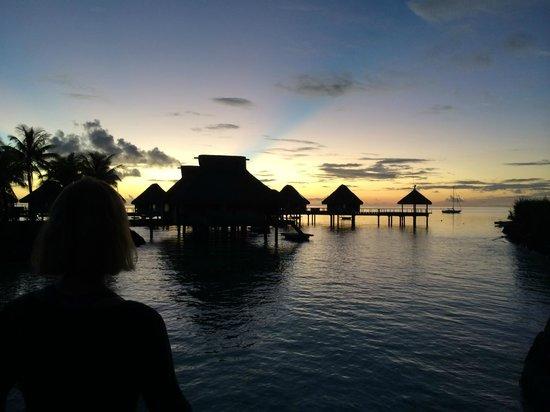 Conrad Bora Bora Nui : Sunset the 1st night
