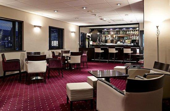 Briar Court Hotel: Bar Area