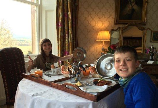 Inverlochy Castle Hotel: Scottish breakfast!
