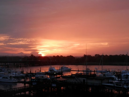 Hampton Inn Georgetown - Marina: Beautiful sunrise!