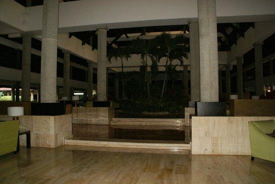 Bavaro Princess All Suites Resort, Spa & Casino: vu de la reception