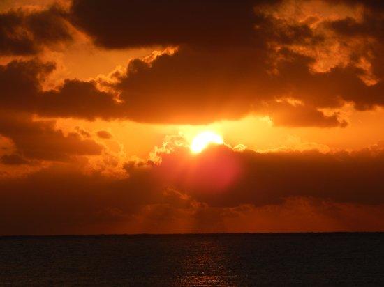 Iberostar Tucan Hotel: sunrise approx 06.30