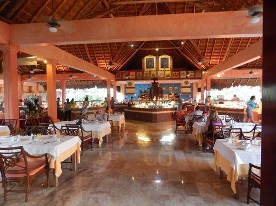 Iberostar Tucan Hotel: breakfast