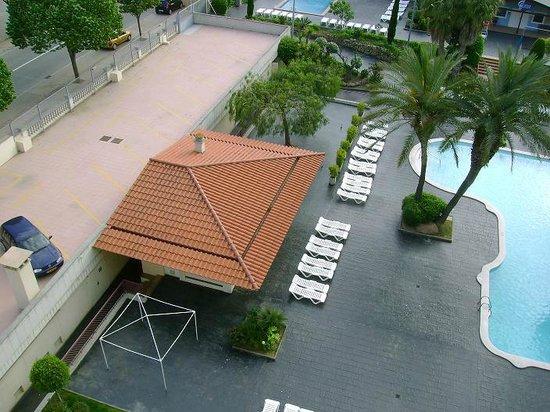 Aqua Hotel Bella Playa Costa Brava : around pool view