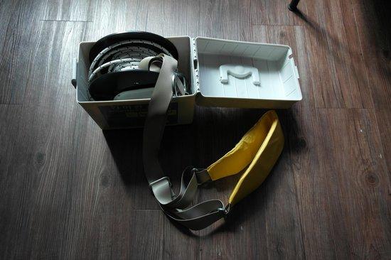 Wa Motel: Emergency escape harness