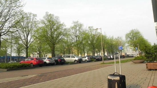Ibis Amsterdam City West : Vista para a ruazinha, tranquila, apesar