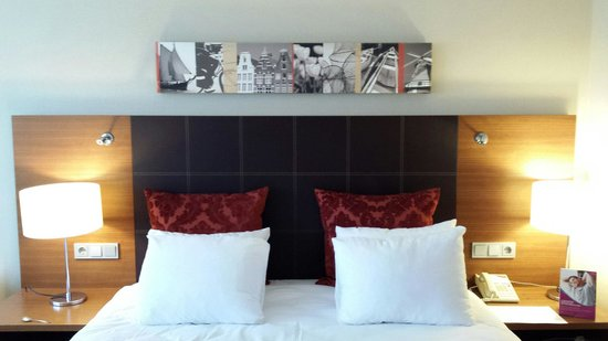 Crowne Plaza Amsterdam - Schiphol: bed