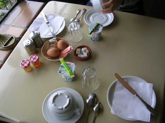 Hotel Les Remparts : Breakfast