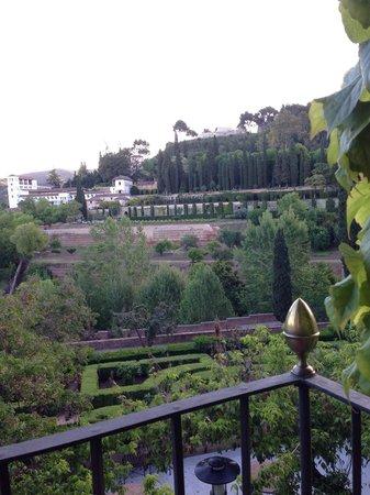 Parador de Granada : 部屋からの眺め。