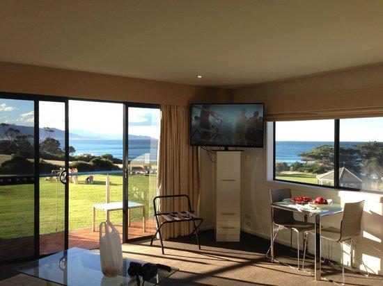 Diamond Island Resort & Penguin Show: sitting room looking to the windows