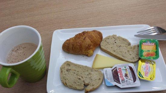 Ibis Styles Hôtel Paris Gare du Nord TGV: Breakfast