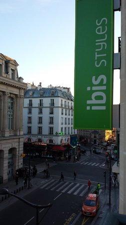 Ibis Styles Hôtel Paris Gare du Nord TGV: Rue Dunkerque