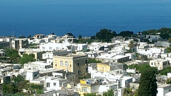 Capri Day Tour : scene taken during chair lift up Anacapri