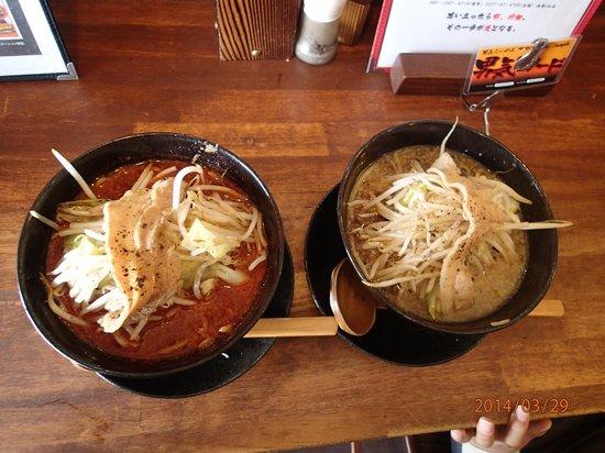 Otokogi Ramen Akagi Gunma Kiryu General Main Store : 赤醤油ラーメンと黒醤油ラーメン
