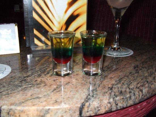 Hotel Riu Palace Tropical Bay : Bob Marley shots