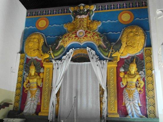 Templo del Diente de Buda (Sri Dalada Maligawa: В Храме