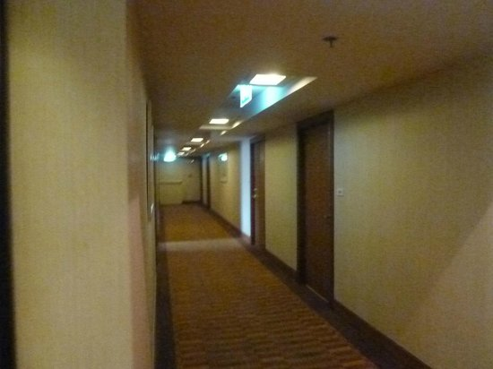 Mercure Bangkok Sukhumvit 11: Passageways
