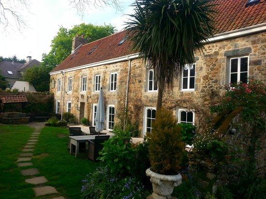 Hotel Bella Luce: Jardin en façade