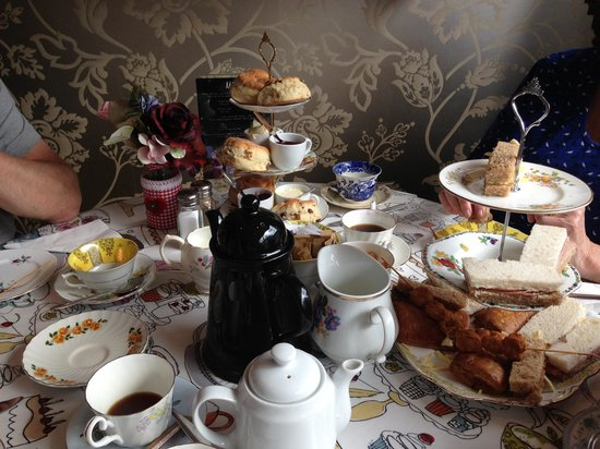 Madhatters : My gorgeous birthday tea