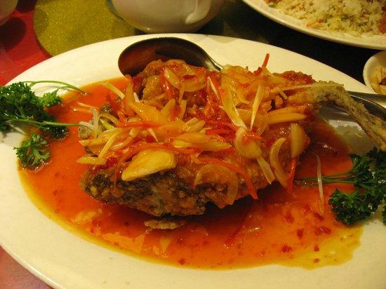 Choi City Seafood Restaurant: Whole Lapu Lapu w/Mango Sauce