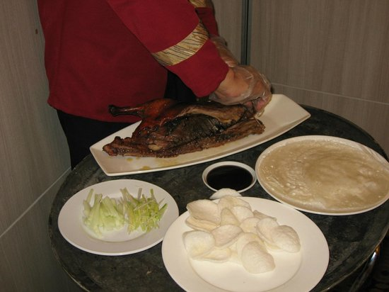 Choi City Seafood Restaurant: Tableside Prep- Peking Duck