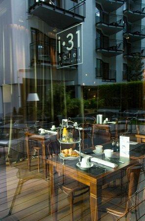 i31 Hotel: Fensterfront Bar