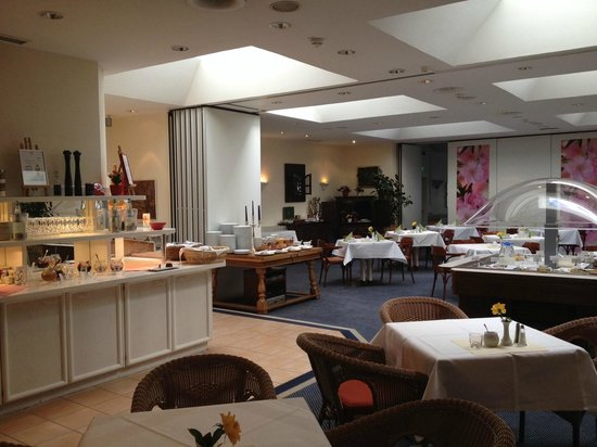 Novum Hotel Arosa Essen: Breakfast