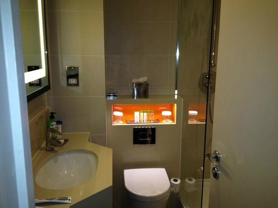 DoubleTree by Hilton London Ealing : Bagno