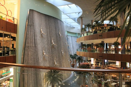 The Dubai Mall: Cascade