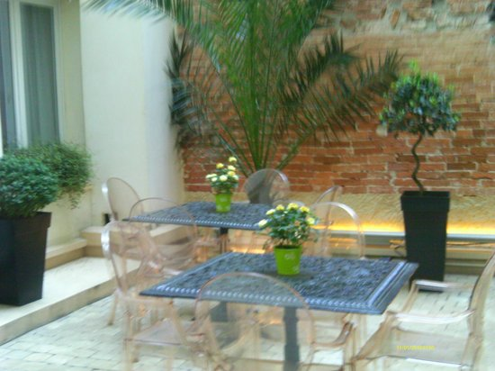 Hotel Lorette - Astotel : Area interna, ótima para relaxar e conversar