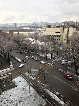 Rixos Almaty : Snow on the last day