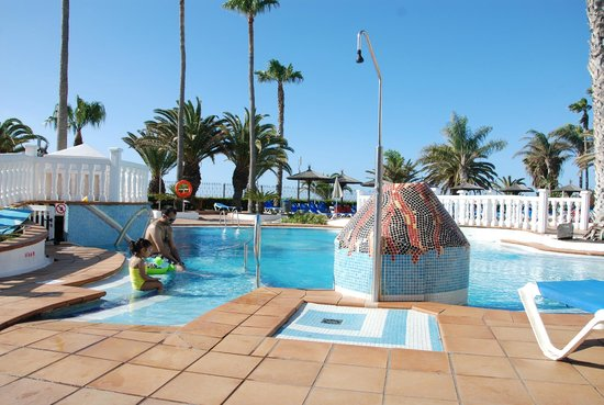 Sol Lanzarote All Inclusive: pool in the morning 9am
