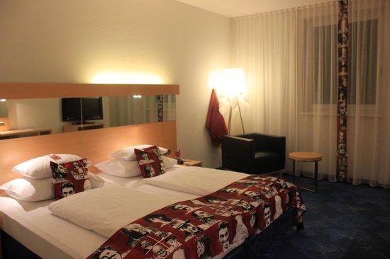 Arcotel Allegra Zagreb: Room