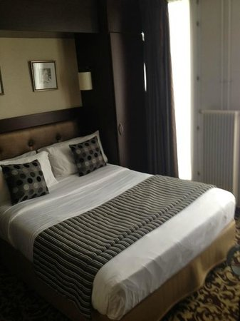 Hotel Abbatial Saint Germain: Letto
