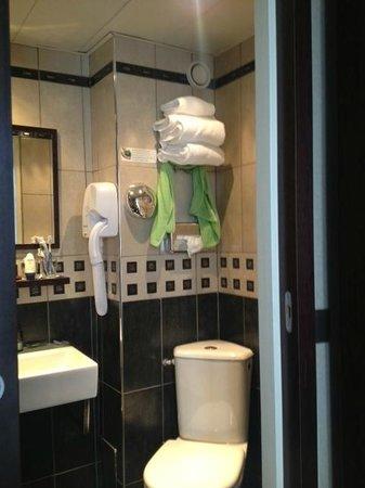 Hotel Abbatial Saint Germain: Bagno