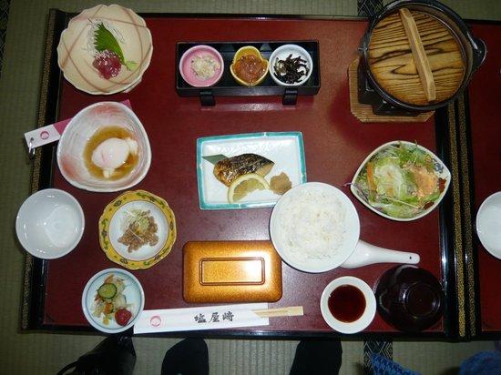 Hotel Shioyazaki : 朝ごはんは焼き魚は焼きたて、料理も品数が多くてどれもおいしい。心のこもった手作り感があった。