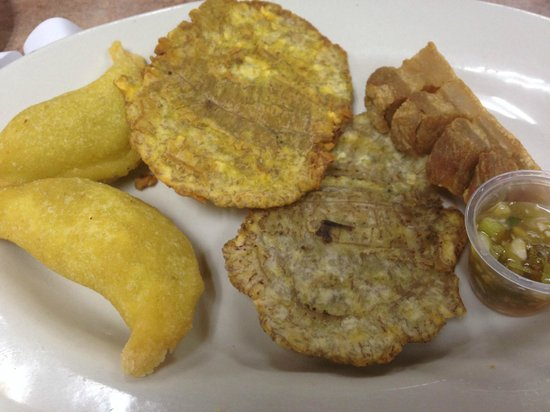 La Casona Colombian Restaurant: Empanada, plantains, and chicharon