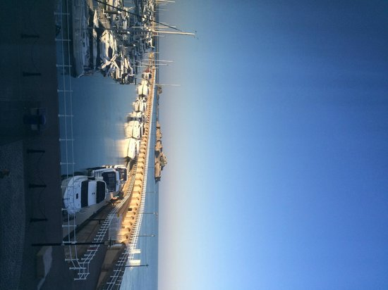 Radisson Blu Waterfront Hotel, Jersey: View from bedroom