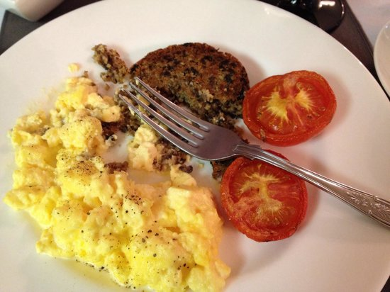 Distant Hills Guest House: Fresh eggs w haggis was a delight
